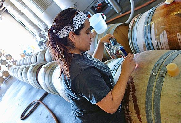 OurPass-Winemaking06