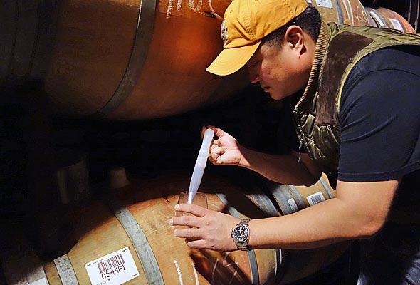 OurPass-Winemaking08